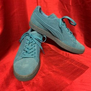 Turquoise Leather/Suede Puma Shoes Size 8.5